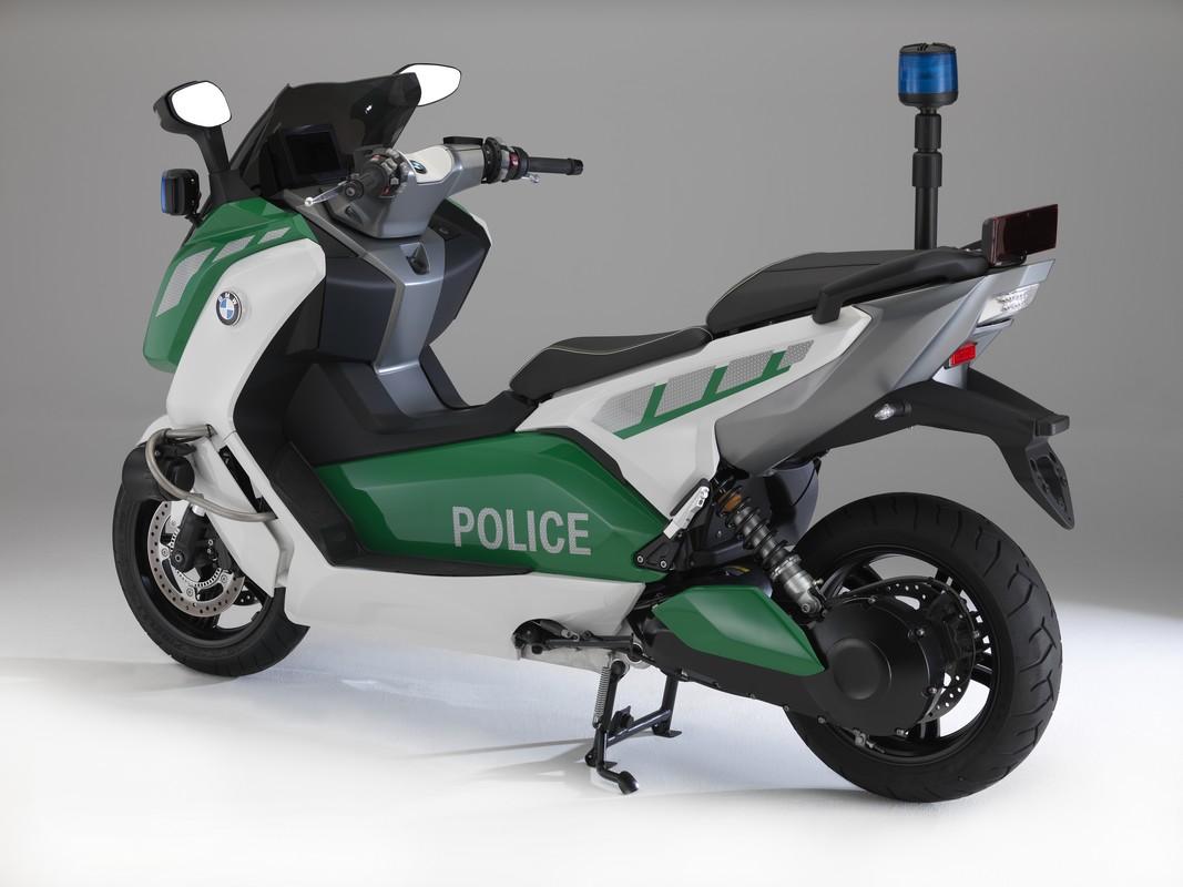 scooter lectrique une version police du bmw c evolution au salon milipol. Black Bedroom Furniture Sets. Home Design Ideas