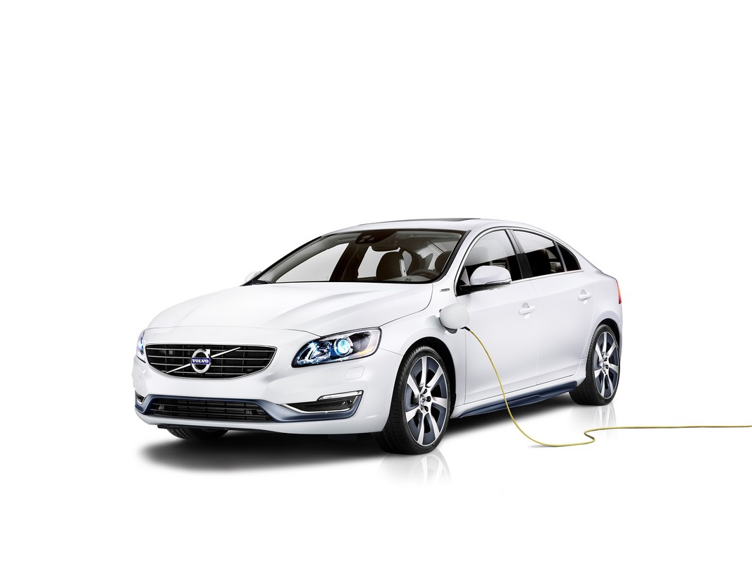 volvo s60l phev une berline hybride rechargeable pour le march chinois. Black Bedroom Furniture Sets. Home Design Ideas