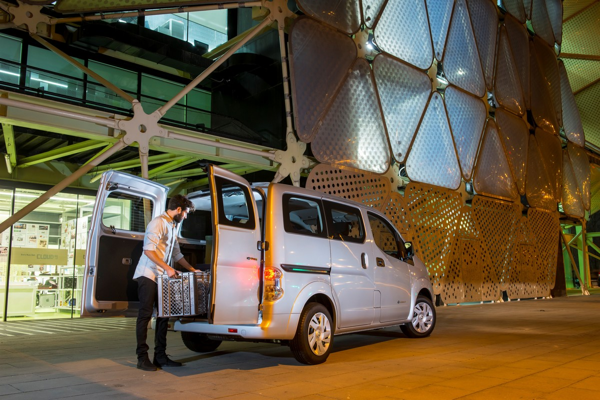 voiture lectrique nissan e nv200 evalia. Black Bedroom Furniture Sets. Home Design Ideas
