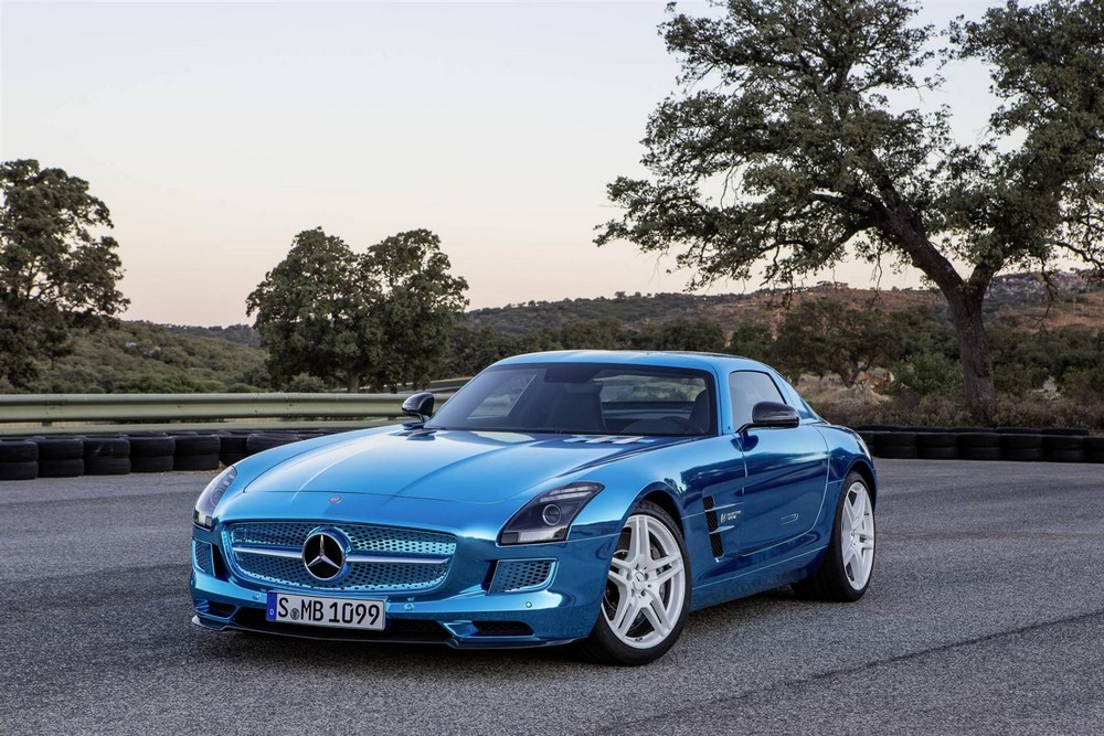 mercedes sls amg electric drive galerie photos. Black Bedroom Furniture Sets. Home Design Ideas