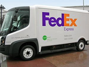 fedex met en circulation des camions de livraison lectriques paris. Black Bedroom Furniture Sets. Home Design Ideas