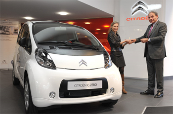 Citroën livre une voiture électrique C-Zero à General Electric France - Photo 1