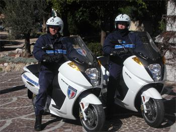 la police municipale du cannet se dote de scooters. Black Bedroom Furniture Sets. Home Design Ideas