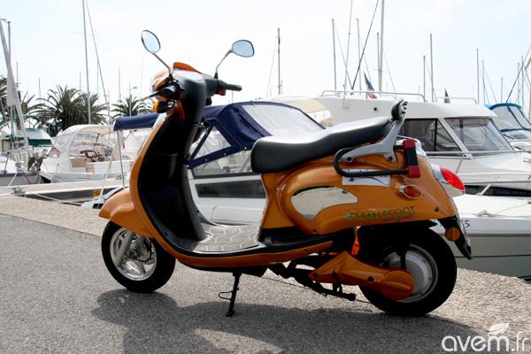 scooter lectrique batteries amovibles cleanscoot cs 1500 pr sentation et essai. Black Bedroom Furniture Sets. Home Design Ideas