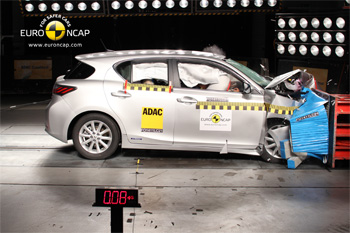 Crash-tests Euro NCAP - 5 étoiles pour la Lexus CT 200h - Photo 1
