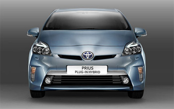 prius hybride rechargeable partenariat entre toyota et leaseplan. Black Bedroom Furniture Sets. Home Design Ideas