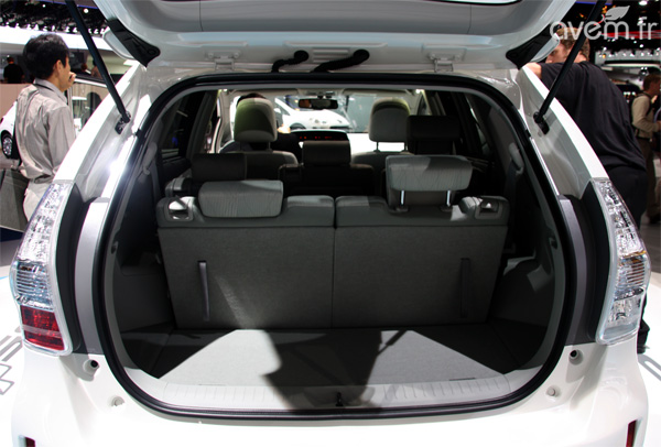 toyota prius plus hybride occasion id e d 39 image de voiture. Black Bedroom Furniture Sets. Home Design Ideas