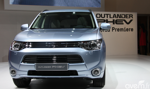 Mitsubishi r�v�le l�Outlander hybride rechargeable au Mondial de Paris - Photo 3