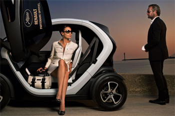 renault la fluence et la twizy lectrisent le festival de cannes. Black Bedroom Furniture Sets. Home Design Ideas