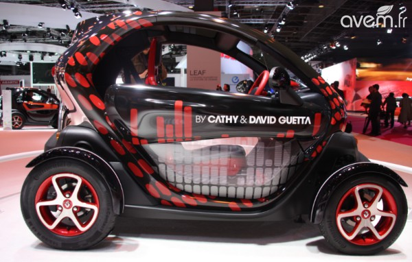 renault twizy une version clubbing by david guetta au mondial de l 39 automobile. Black Bedroom Furniture Sets. Home Design Ideas