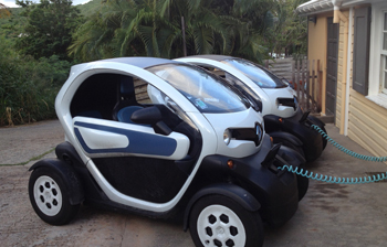 la twizy d barque sur l ile de saint barth lemy. Black Bedroom Furniture Sets. Home Design Ideas