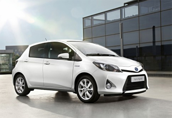 la toyota yaris hybride remporte le grand prix auto environnement maaf 2012. Black Bedroom Furniture Sets. Home Design Ideas