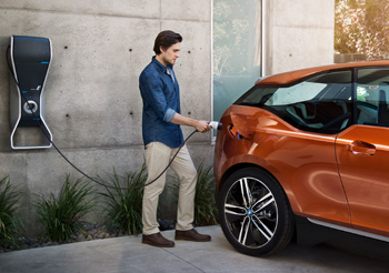 Infrastructures de charge – BMW signe un accord mondial avec Schneider et TMH - Photo 1