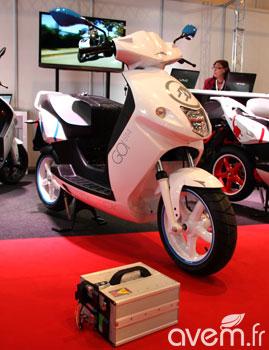 scooter lectrique batterie amovible le govecs s1 4 r v l ever monaco. Black Bedroom Furniture Sets. Home Design Ideas