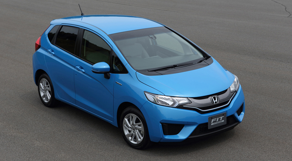 honda jazz hybride 2014 plus sobre que la yaris hybride. Black Bedroom Furniture Sets. Home Design Ideas