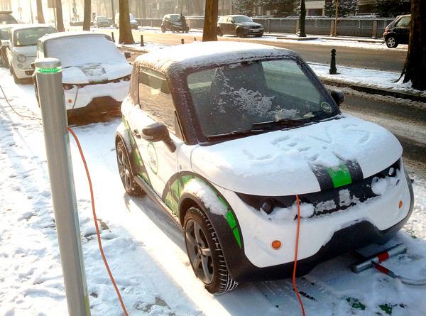 l'hiver approche : faut-il changer les pneus de sa voiture électrique ?