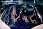 Margot Robbie au volant du BladeGlider