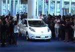 La voiture électrique Nissan Leaf en avant-première au Japon