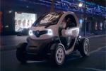 Publicité - La Renault Twizy ZE se la joue branchée et électro !
