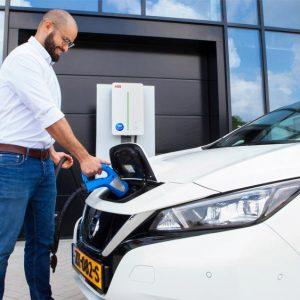 EDF et Nissan lancent une offre commerciale V2G au Royaume-Uni